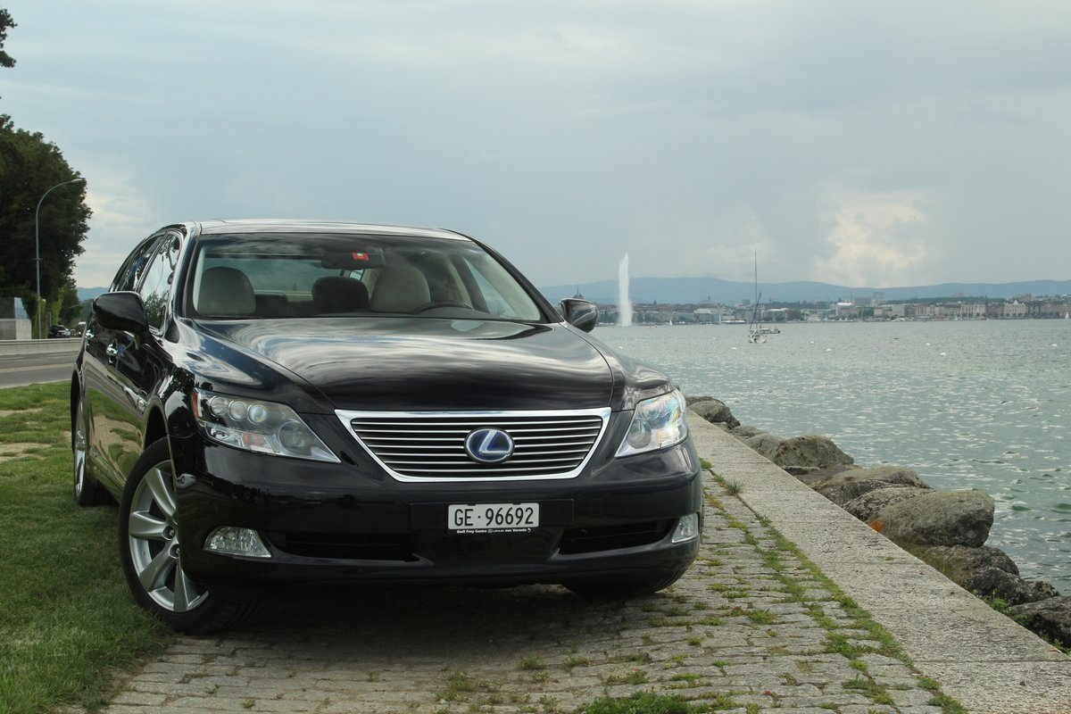 Limousine & Taxi service Geneva | Geneva info